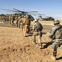 800px-Flickr_-_The_U.S._Army_-_Loading_up