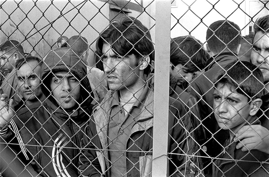 1024px-20101009_Arrested_refugees_immigrants_in_Fylakio_detention_center_Thrace_Evros_Greece