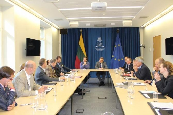 Lithuania's foreign ministry hosted CEO Summit participants for a briefing on geopolitical issues relevant to the region.
