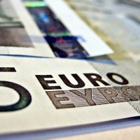 Economics_Euros-Flickr-Images_of_Money-