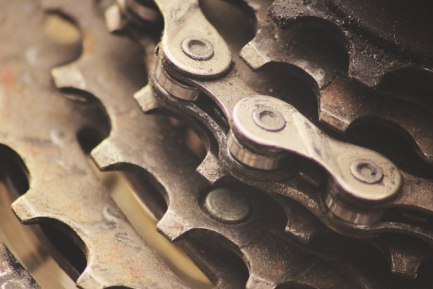 bossfight-co-boss-fight-free-stock-high-resolution-photos-photography-images-creative-commons-zero-gears-bike-960x640-880x587