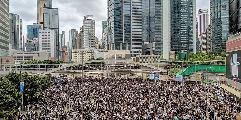 800px-Hong_Kong_anti-extradition_bill_protest_(48108594957)